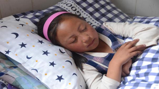 小棉被助她温暖入睡